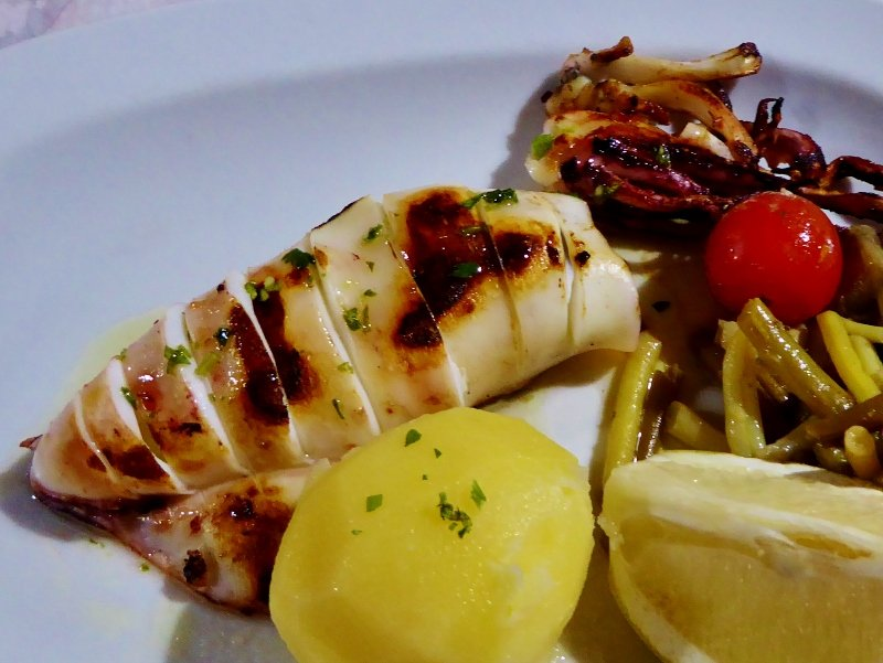 Almuñécar Restaurante Boto's grilled squid. Playa San Cristobal
