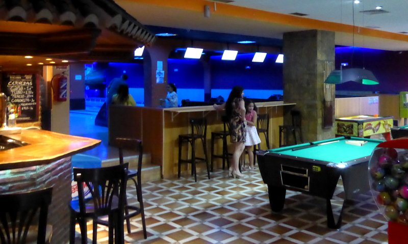 Bowling Alcazar and Arcade (2)