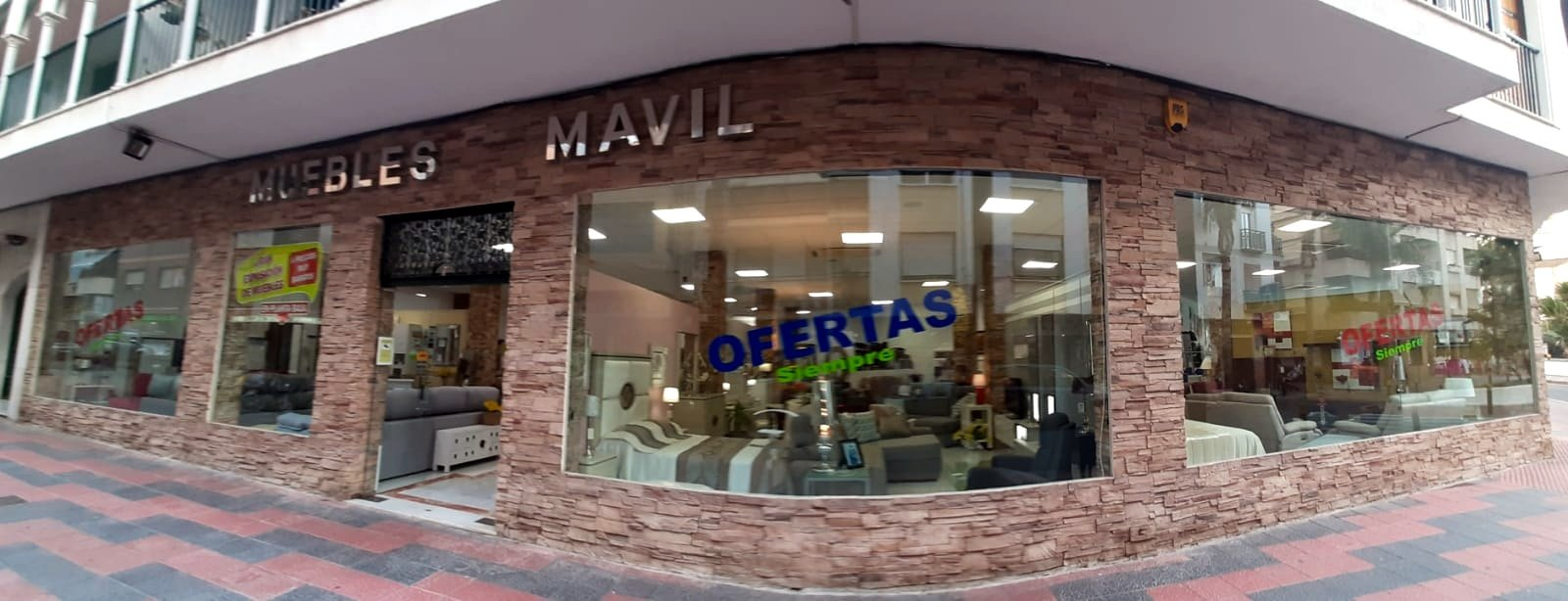 Muebles Mavil is the largest furniture store in Almunecar and offers you everything for your home furnishings. Sofa beds, couches, chairs, mattresses, bed frames, dining table, coffee table, outdoor furniture and more.