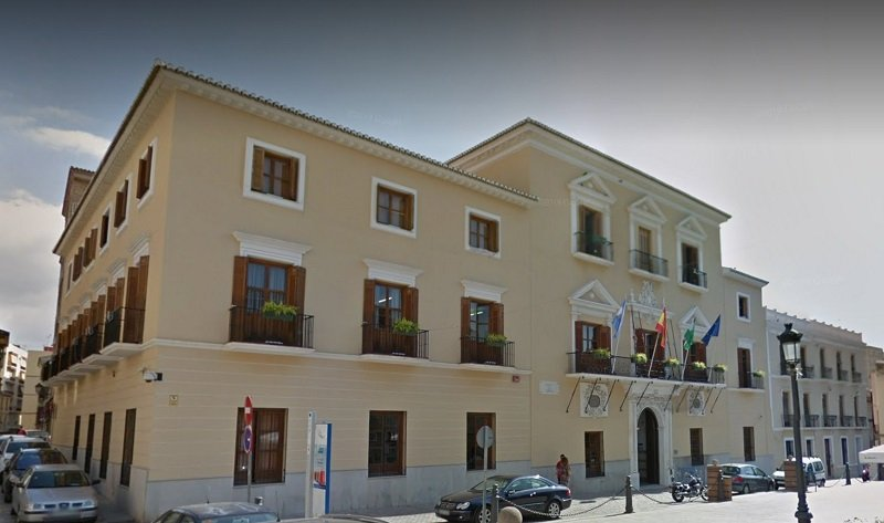 Ayuntamiento de Motril - Empadronamiento y Cambios de domicilio  (to register as new residents or to change your address). If you would like to register as a resident of this town, you need to go to the town hall for your Empadronamiento or padrón.